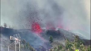 Mira la erupción del volcán en Canarias