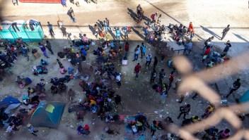 10 bebés nacen bajo el puente de la frontera de Del Río