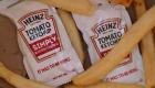 Crean exprimidor para paquetes de salsa de tomate