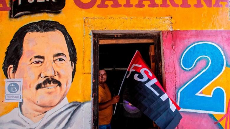 "Ortega era un ""populista responsable"", dice periodista"