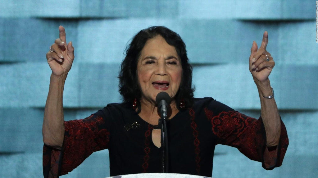 Dolores Huerta cita a Juárez sobre respeto al derecho ajeno
