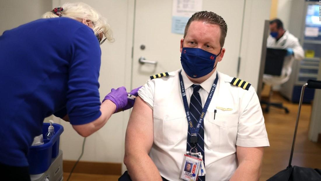 593 empleados de United Airlines podrían ser despedidos
