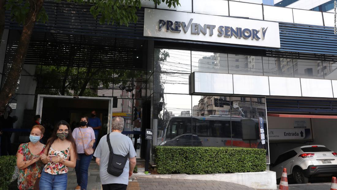 Acusan a una empresa sanitaria en Brasil de administrar en secreto medicinas no probadas contra el covid-19: en los ensayos murieron nueve personas
