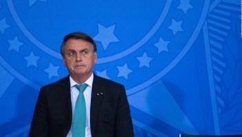 Silencio de Bolsonaro ante el escándalo médico