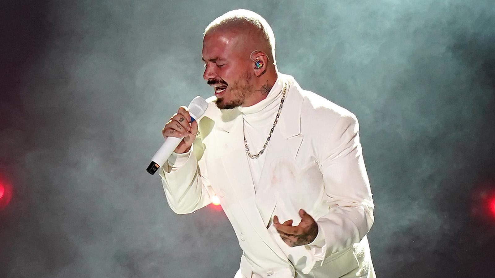 J Balvin critica, de nuevo, a los Latin Grammy; dice que la Academia no valora a los artistas del género urbano