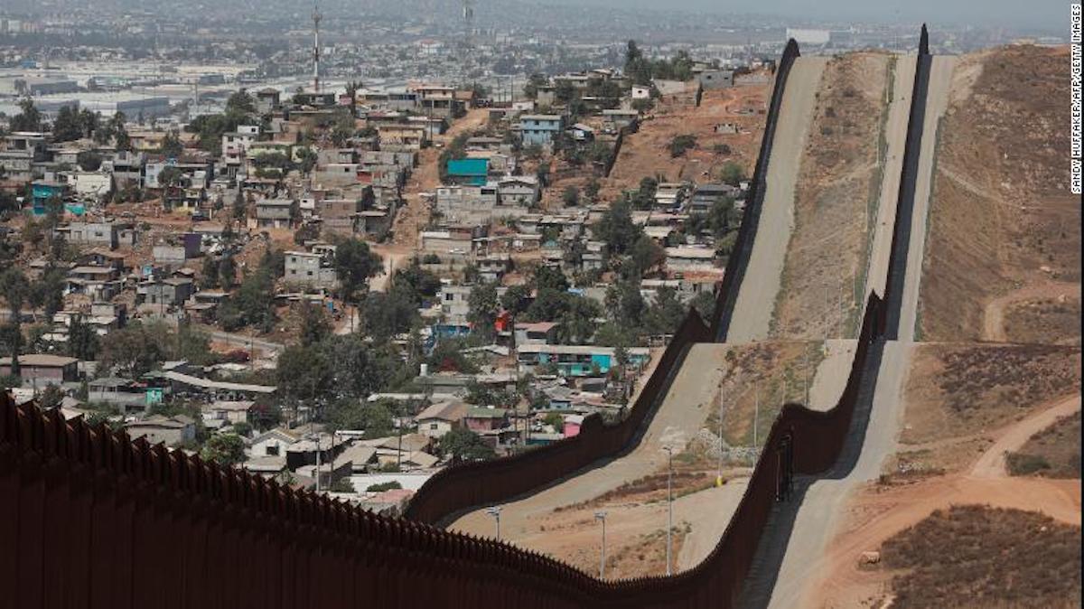 La Patrulla Fronteriza necesita mejores protocolos contra el covid-19 en la frontera entre EE.UU. y México para evitar poner en riesgo a los migrantes y al personal, encuentra un organismo de control
