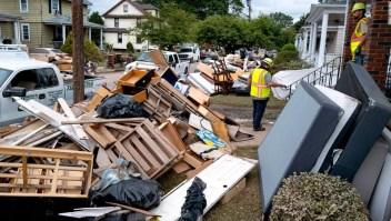 Comunidades alrededor de EE.UU. atraviesan el largo proceso de recuperación más de una semana después de la llegada del huracán Ida