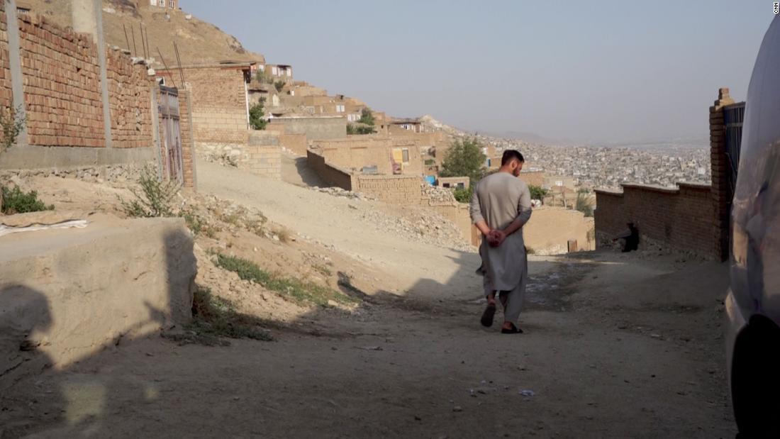 Parientes de la familia que murió en un ataque con misiles en Kabul buscan reasentamiento en Estados Unidos