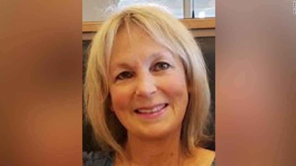 En el obituario de su madre, una familia dice que su muerte por covid-19 podría haberse evitado si la gente se hubiera vacunado