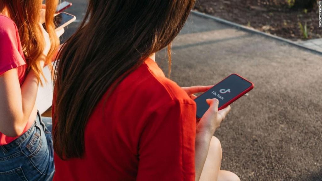 TikTok lanza recursos de salud mental para los usuarios mientras Instagram enfrenta críticas