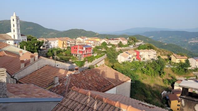 Los estadounidenses que compraron casas baratas en el sur de Italia
