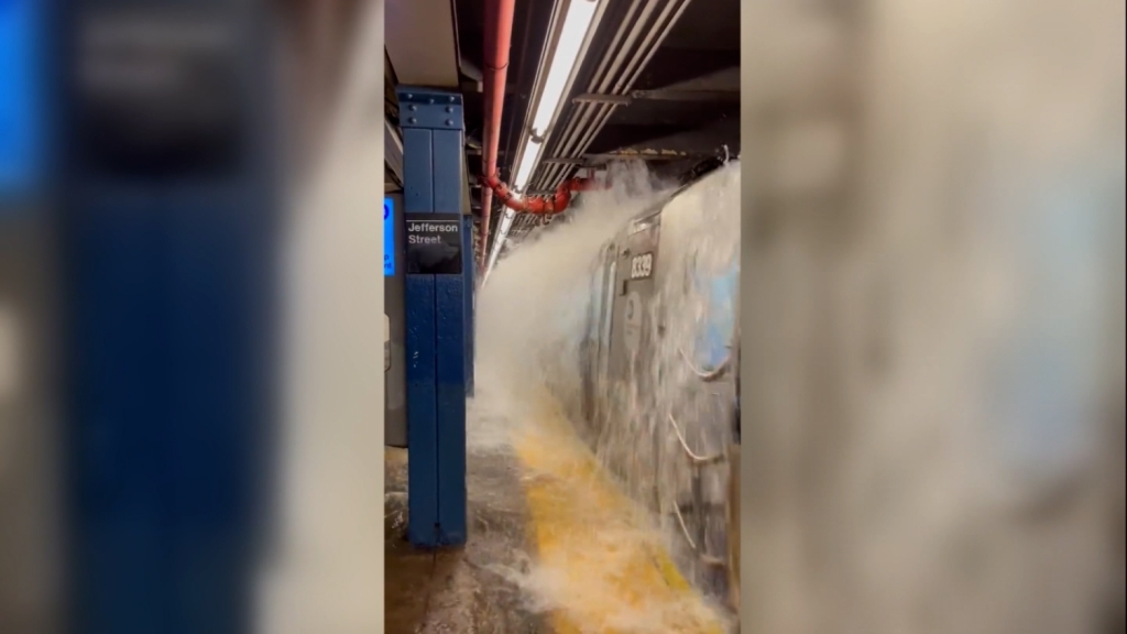 Inundaciones en metro de Nueva York