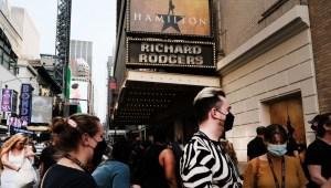 Vuelven las luces y la música de Broadway, para vacunados