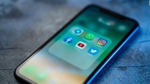 ¿Pueden las redes sociales excluir a los partidos políticos?