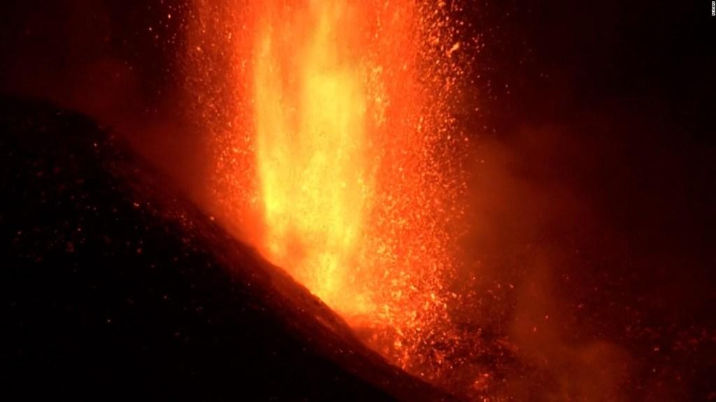 Volcán de La Palma intensifica su actividad