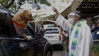 Filipinas: bendicen a mascotas en caravana