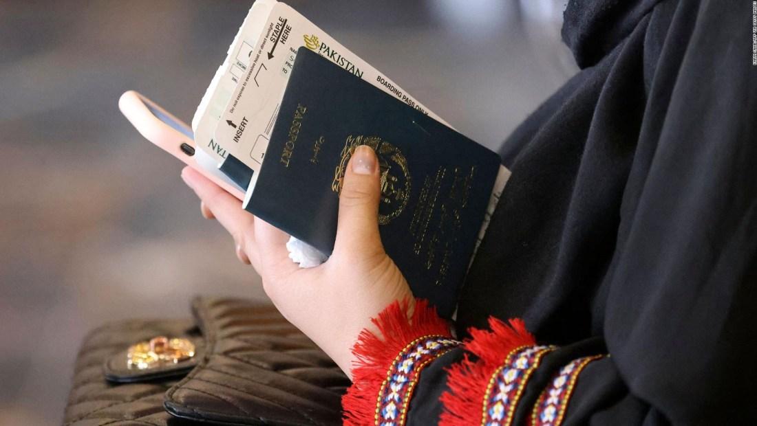 Afganistán reanudará emisión de pasaportes a ciudadanos