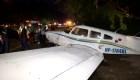 Avioneta aterriza de emergencia en autopista
