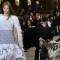 Activista se cuela en desfile de moda y la detienen