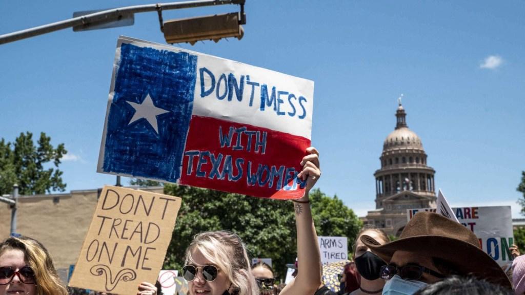 Reciben duro golpe los opositores del aborto en Texas