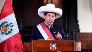 El gobierno de Castillo continúa con un nuevo gabinete