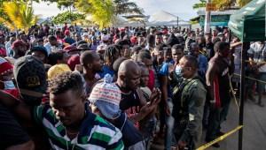 Crisis en Necoclí: Migrantes superan a los lugareños
