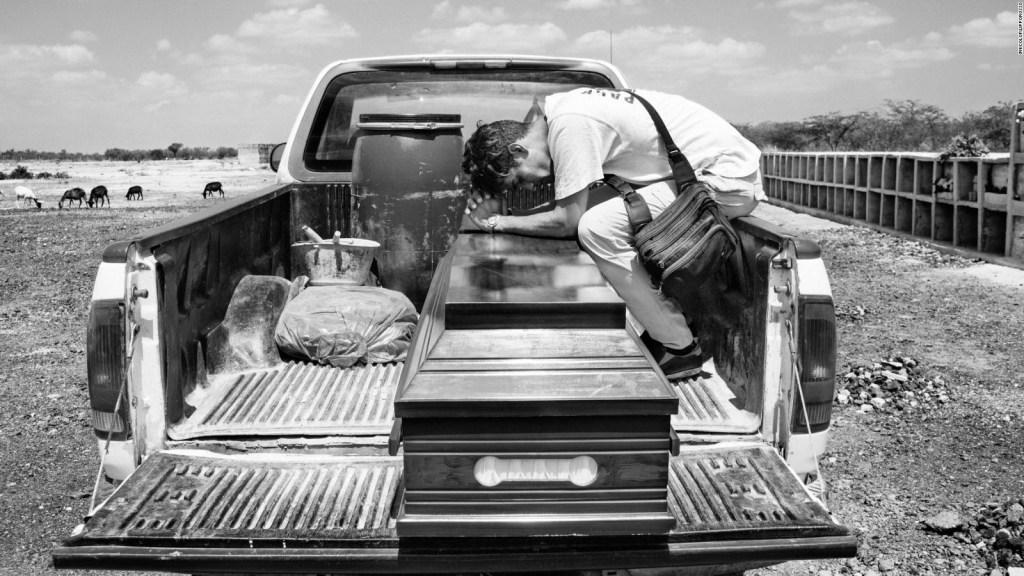 La muerte de un migrante bajo el lente de un fotógrafo