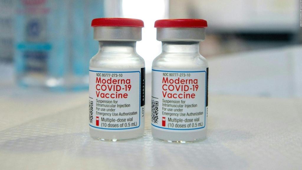 EE.UU.: recomiendan tercera dosis de refuerzo de Moderna