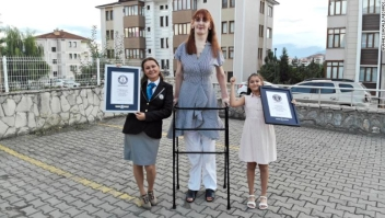 mujer alta Guinness