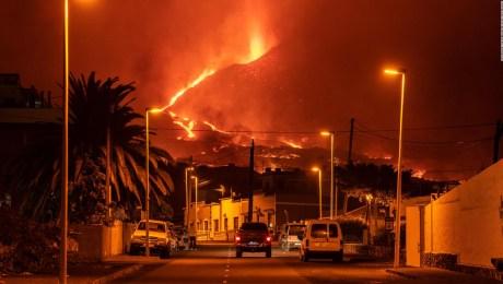 Avanza una nueva colada de lava en La Palma