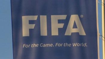 El presidente de la Fifa se reúne con Bennett