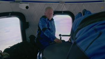 Mira a William Shatner dentro de la cápsula espacial