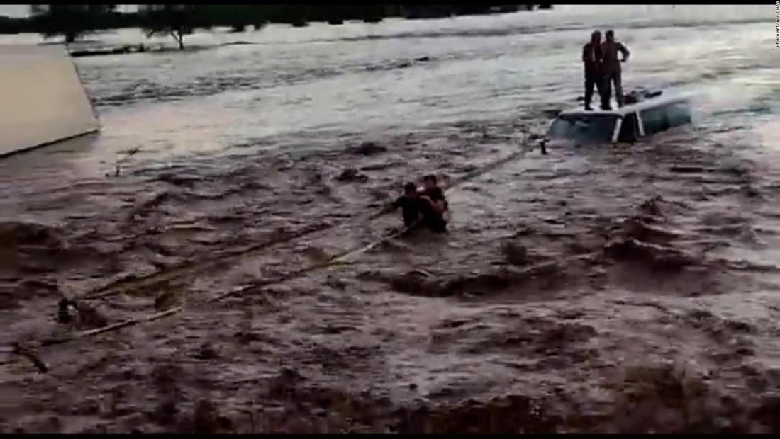 Impresionante rescate en México tras tormenta Pamela