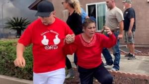 Rescatan a sus vecinos durante un incendio en su casa