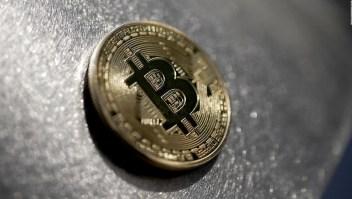 Comienza a cotizar el primer ETF de bitcoin