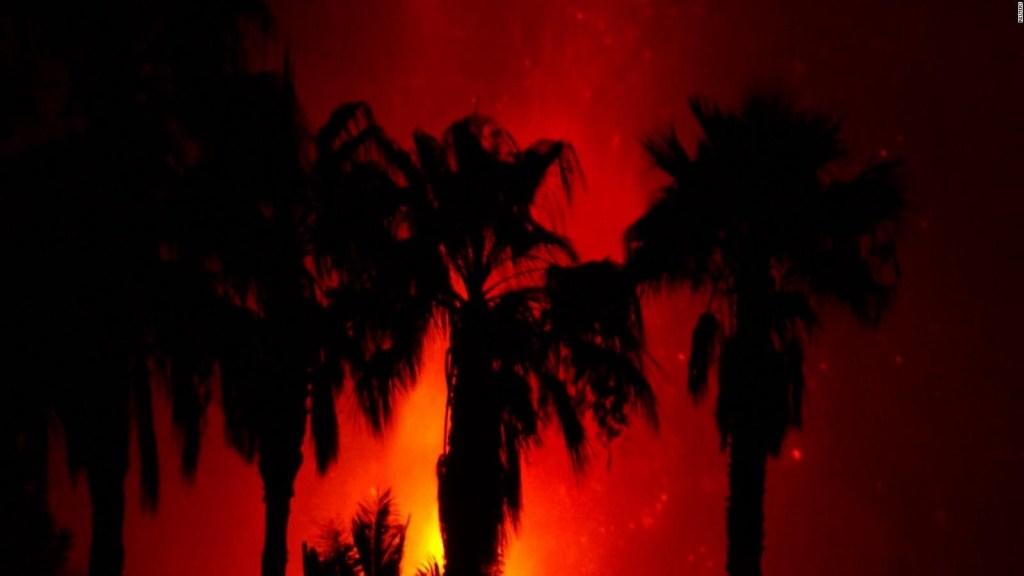 Como fuego artificial: así es la erupción estromboliana