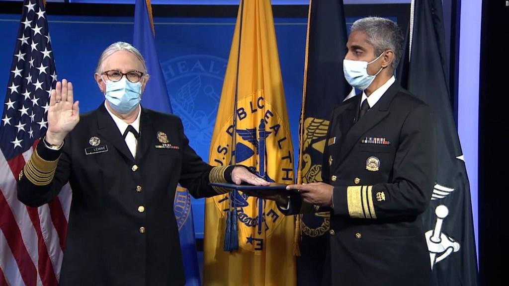 Dra. Levine rompe barreras como almirante transgénero