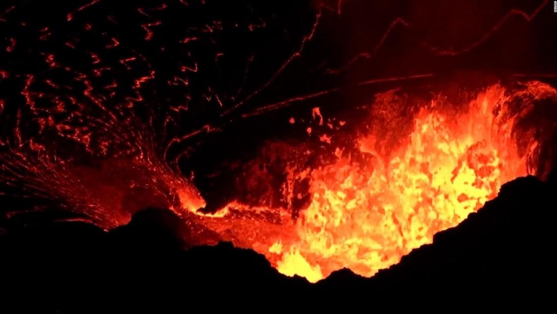 Mira cómo burbujea la lava en el cráter del Kilauea