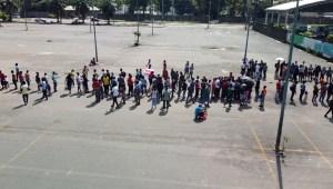 México: migrantes en caravana piden respeto