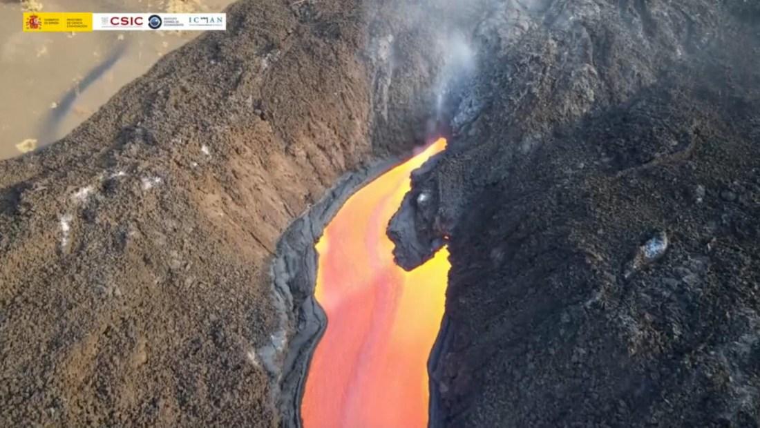 Sí, parece pintura, pero son los ríos la lava en La Palma