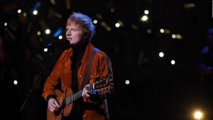 Ed Sheeran da positivo por covid-19 días antes del estreno de su nuevo álbum