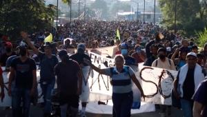 Avanza caravana migrante rumbo a la Ciudad de México