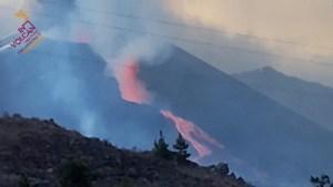Colapsa parte del cono del volcán Cumbre Vieja