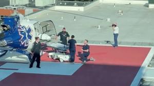 Enfermero propone matrimonio a pie de helicóptero