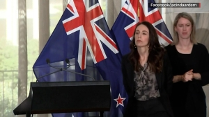 Primera ministra de Nueva Zelandia apartó a intérprete de lengua de signos