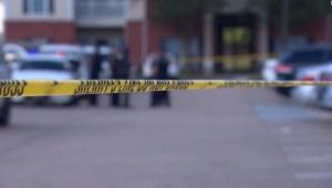 5 cosas: policía halla a 3 menores abandonados en Texas