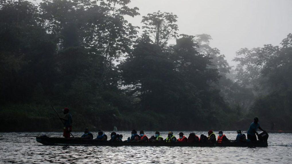 Rescatan a un grupo de migrantes abandonados en Darién