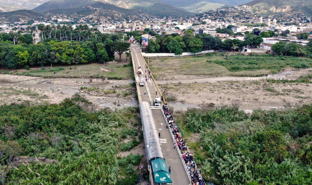 Venezuela anuncia apertura comercial con Colombia