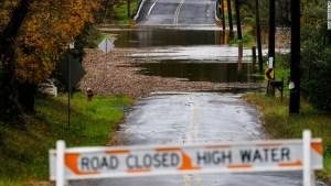 Un nor'easter deja apagones y fuertes lluvias en el este