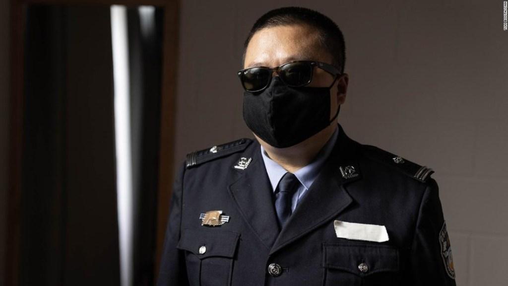 Detective exiliado tortura uigures China